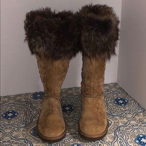 UGG Rosana Good Condition Shearling Cuffed Boot